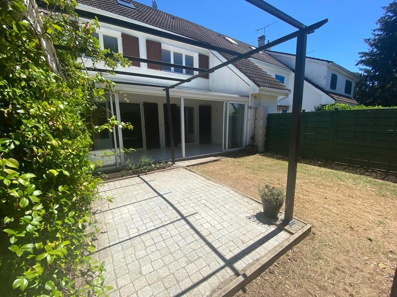 Maison de 142  m2 - Meyzieu (69330)