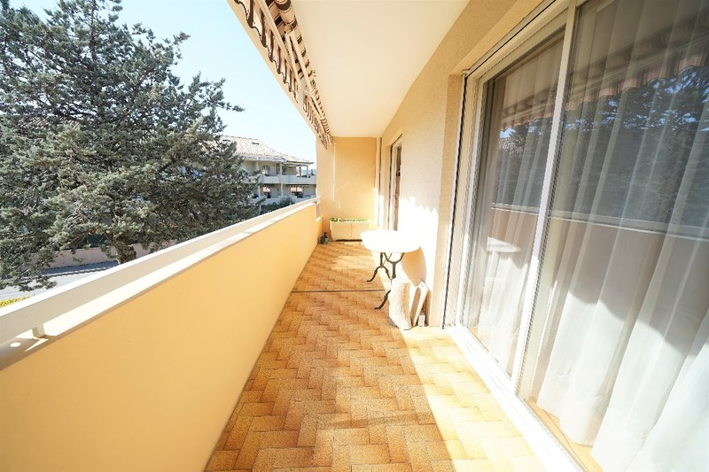 Appartement en résidence de 95  m2 - Draguignan (83300)