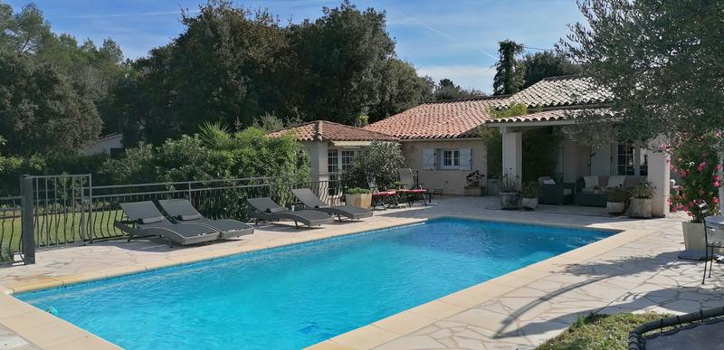 Villa de 125  m2 - Bagnols-en-Forêt (83600)