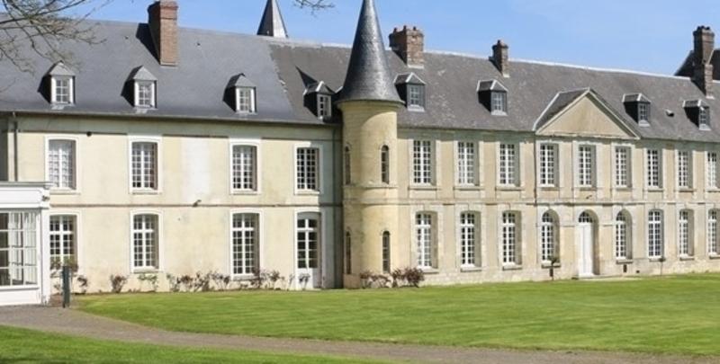 Château de 1300  m2 - Pont-Audemer (27500)