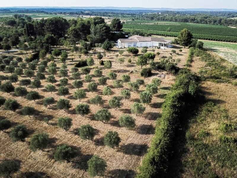 Propriété de 300  m2 - Carcassonne (11000)