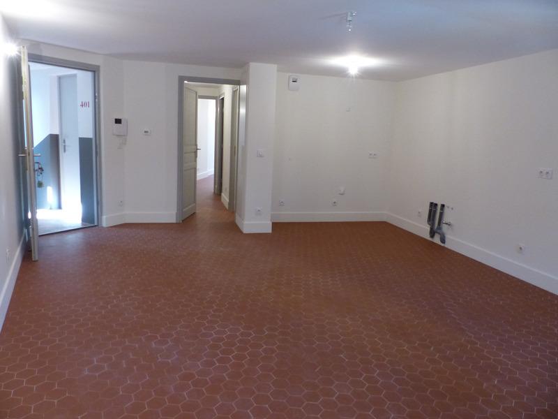 Appartement rénové de 54  m2 - Grasse (06130)