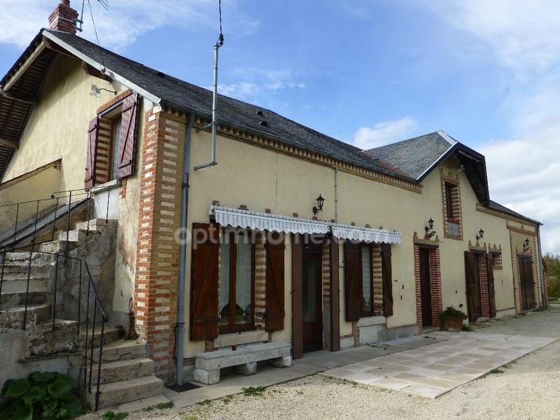 Maison de 250  m2 - Baugy (18800)