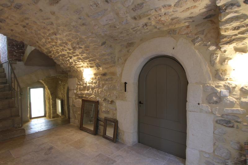 Maison de 520  m2 - Allègre-les-Fumades (30500)