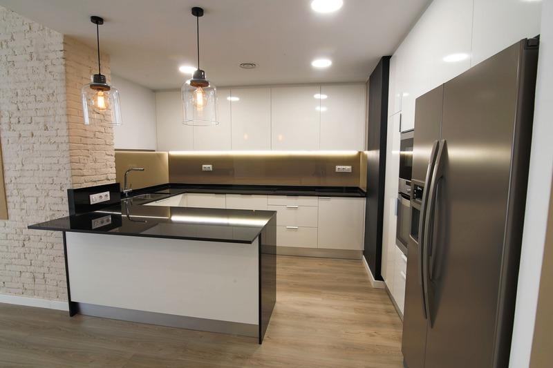 Appartement en frais réduits de 100  m2 - Lyon (69008)