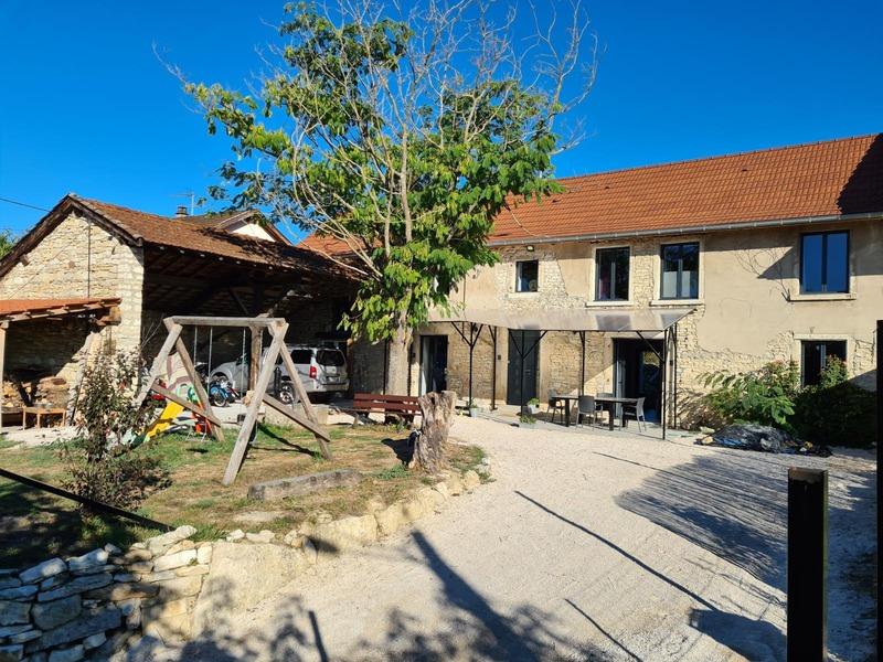 Maison en pierre de 162  m2 - Trept (38460)