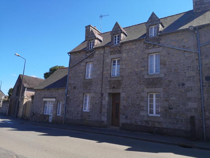Maison en pierre de 155  m2 - Pommerit-le-Vicomte (22200)