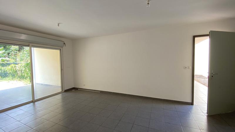 Appartement en rez-de-jardin de 64  m2 - Remire-Montjoly (97354)