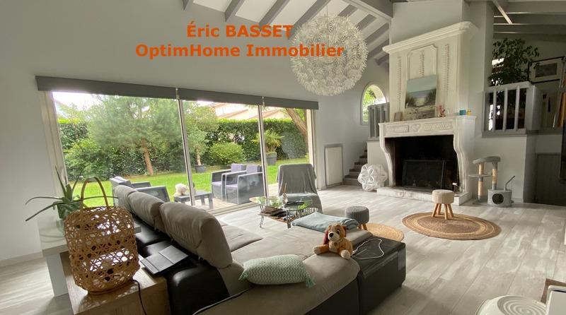 Villa d'architecte de 217  m2 - Mérignac (33700)