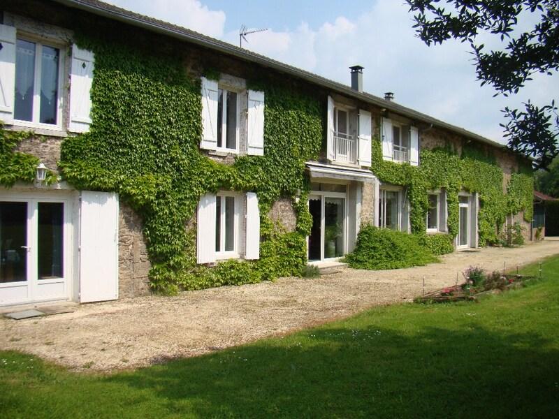 Maison en pierre de 280  m2 - Couzeix (87270)