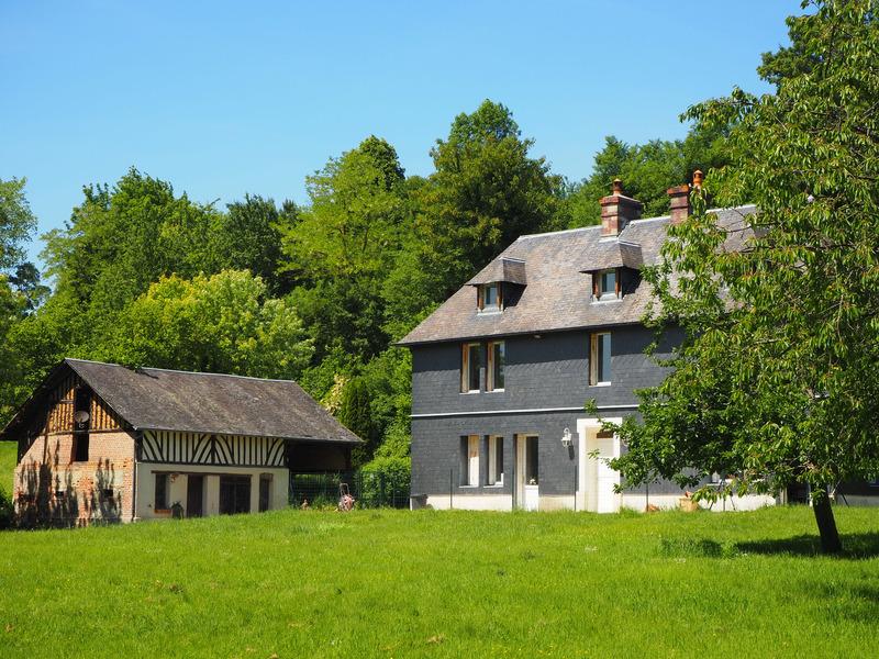 Maison de caractère de 230  m2 - Manneville-la-Pipard (14130)
