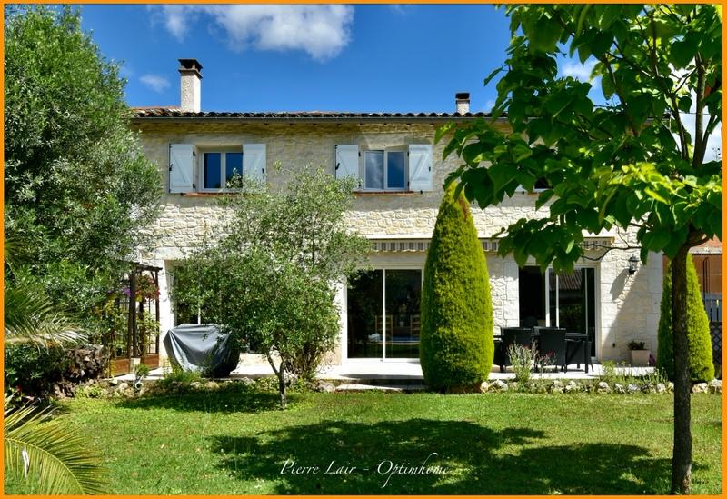 Maison de 202  m2 - Gaillac (81600)