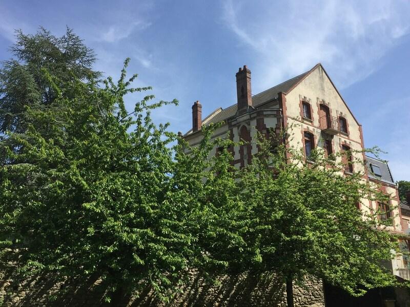 Maison bourgeoise de 280  m2 - Clermont (60600)