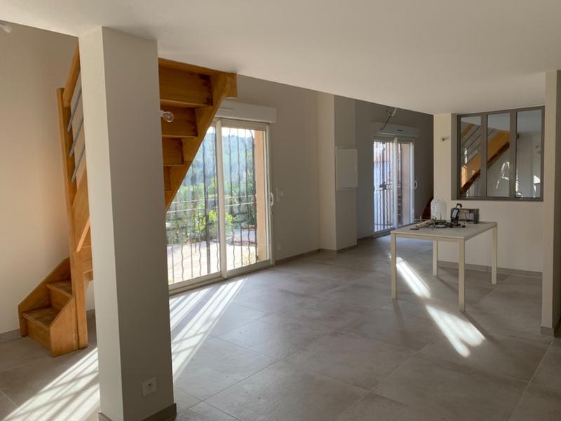 Maison mitoyenne de 128  m2 - Ollioules (83190)