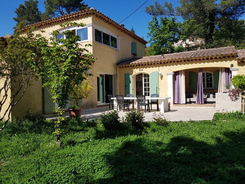 Maison de 147  m2 - Simiane-Collongue (13109)