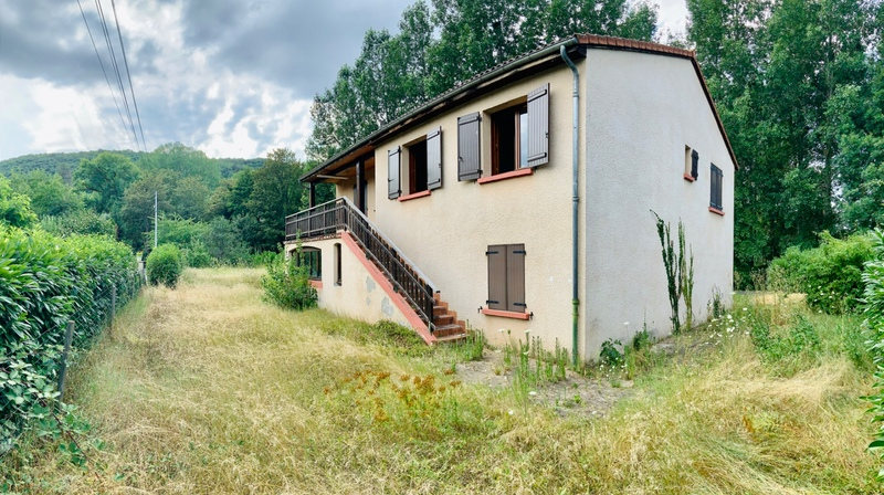 Villa de 120  m2 - Massiac (15500)