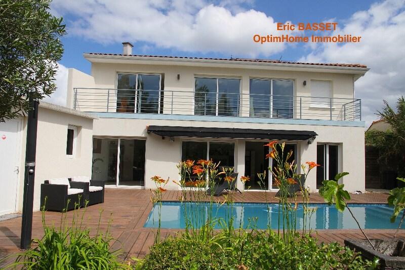 Villa d'architecte de 270  m2 - Mérignac (33700)