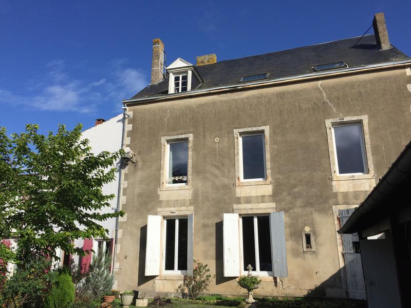 Immeuble de rapport de   m2 - Mareuil-sur-Lay-Dissais (85320)