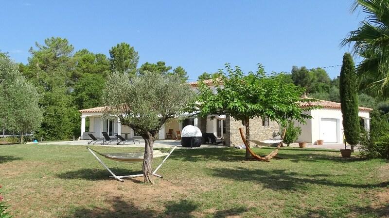 Villa de 200  m2 - Bagnols-en-Forêt (83600)