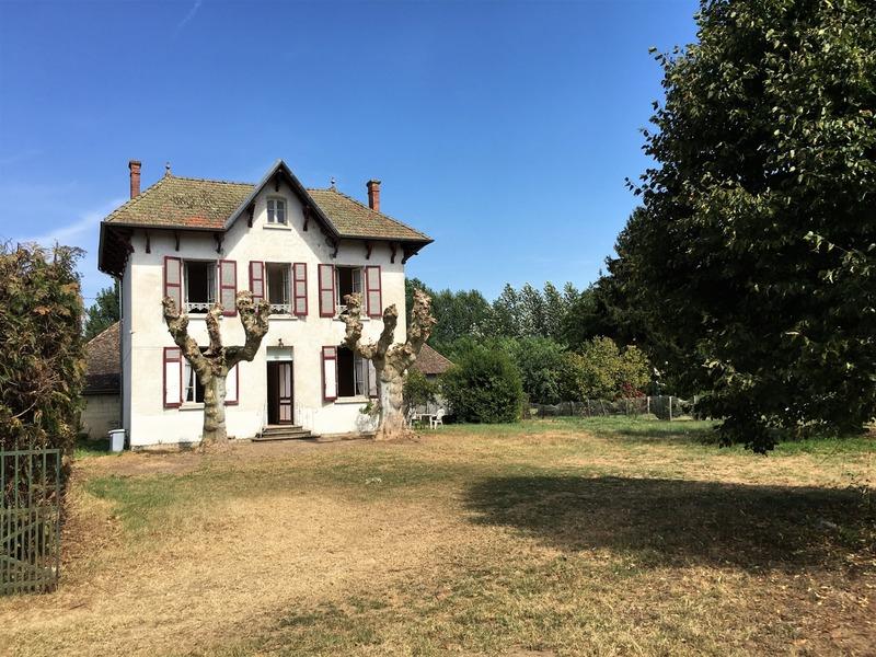 Maison de 110  m2 - Morestel (38510)