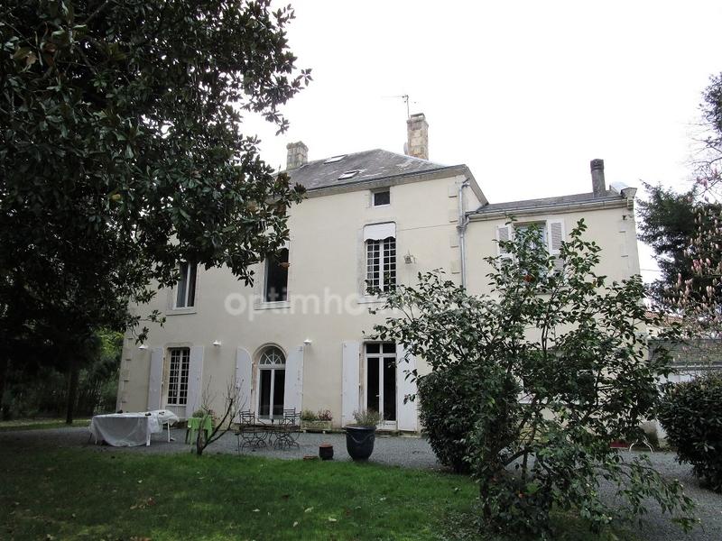 Maison bourgeoise de 315  m2 - Fontenay-le-Comte (85200)