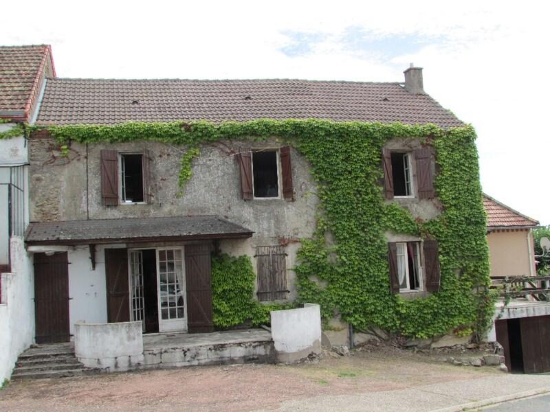 Maison de village de 135  m2 - Saint-Vallier (71230)