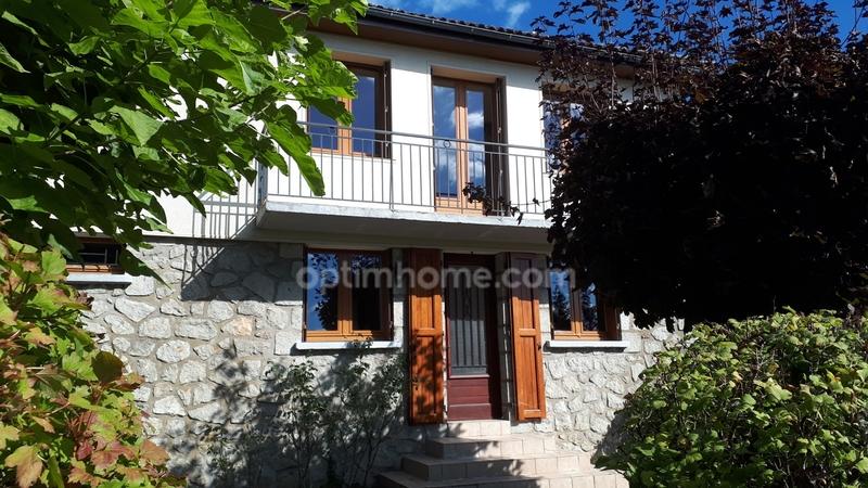 Maison individuelle de 95  m2 - Saint-Mamet-la-Salvetat (15220)