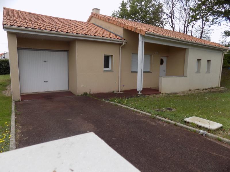 Maison plain-pied de 98  m2 - Montmorillon (86500)
